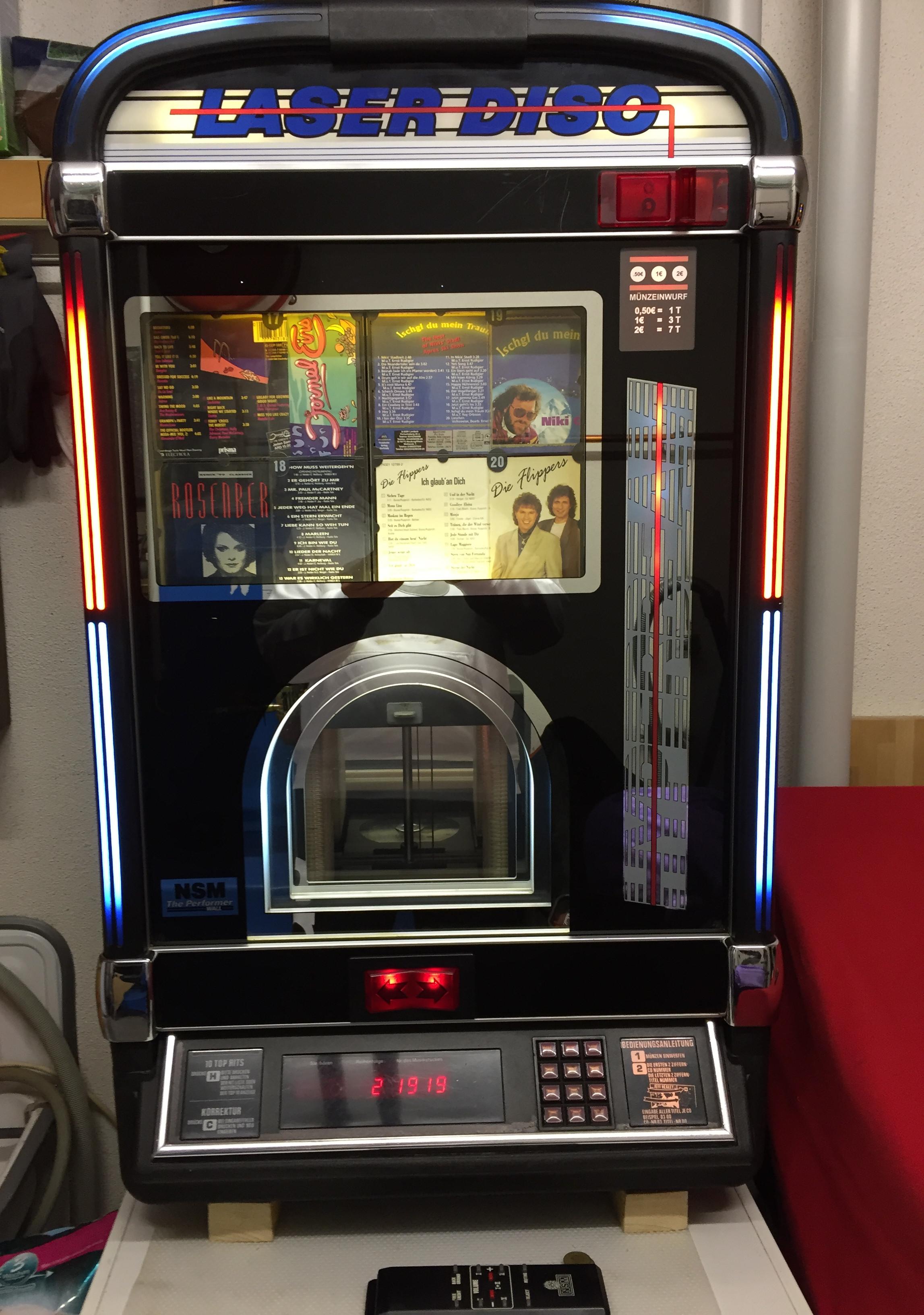 Musikboxen NSM für 100 CD's oder Schallplattenbox