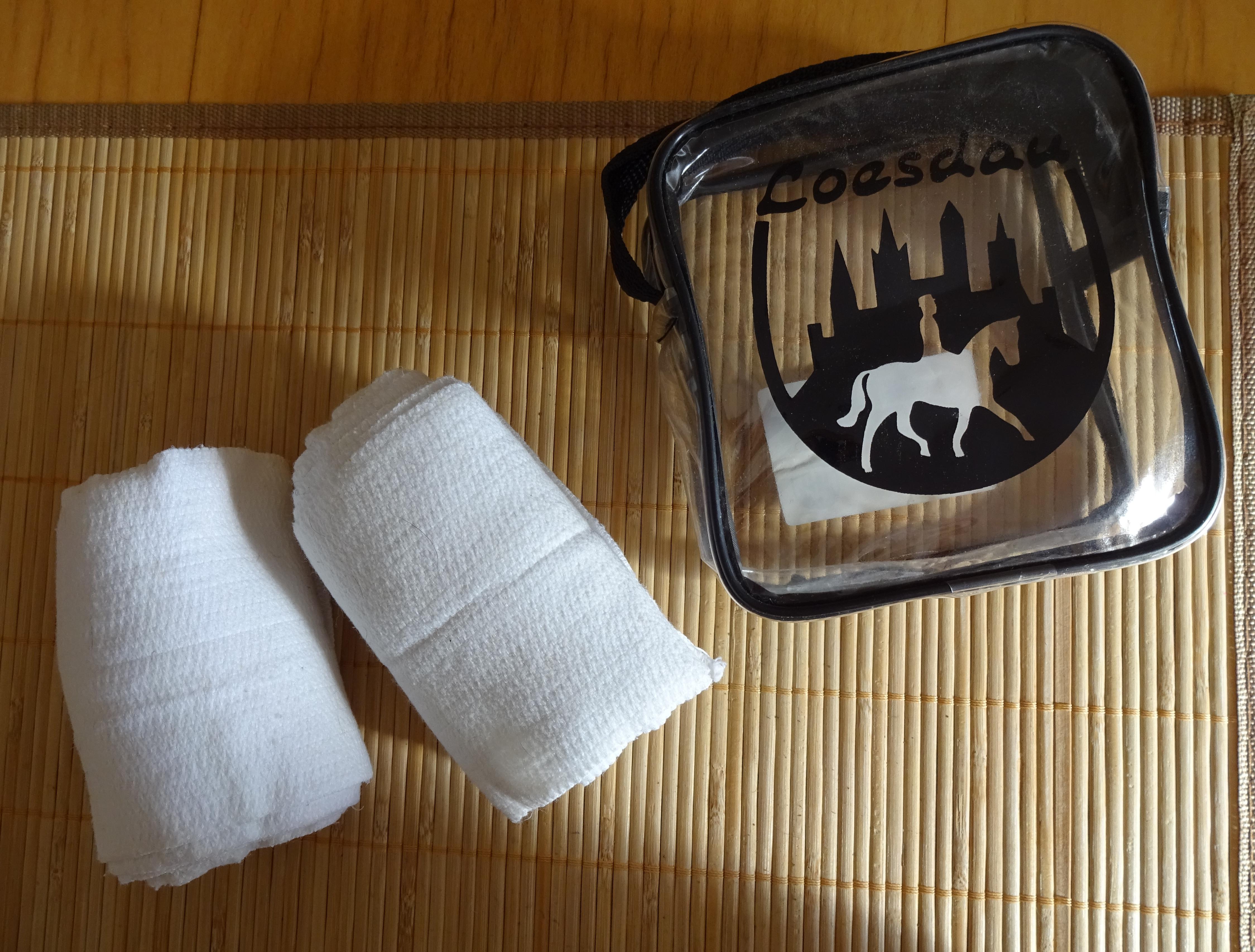 Bandagen schwarz – gebraucht – 1 Paar + Turnierbandagen weiß – neuwertig – 2 Paar
