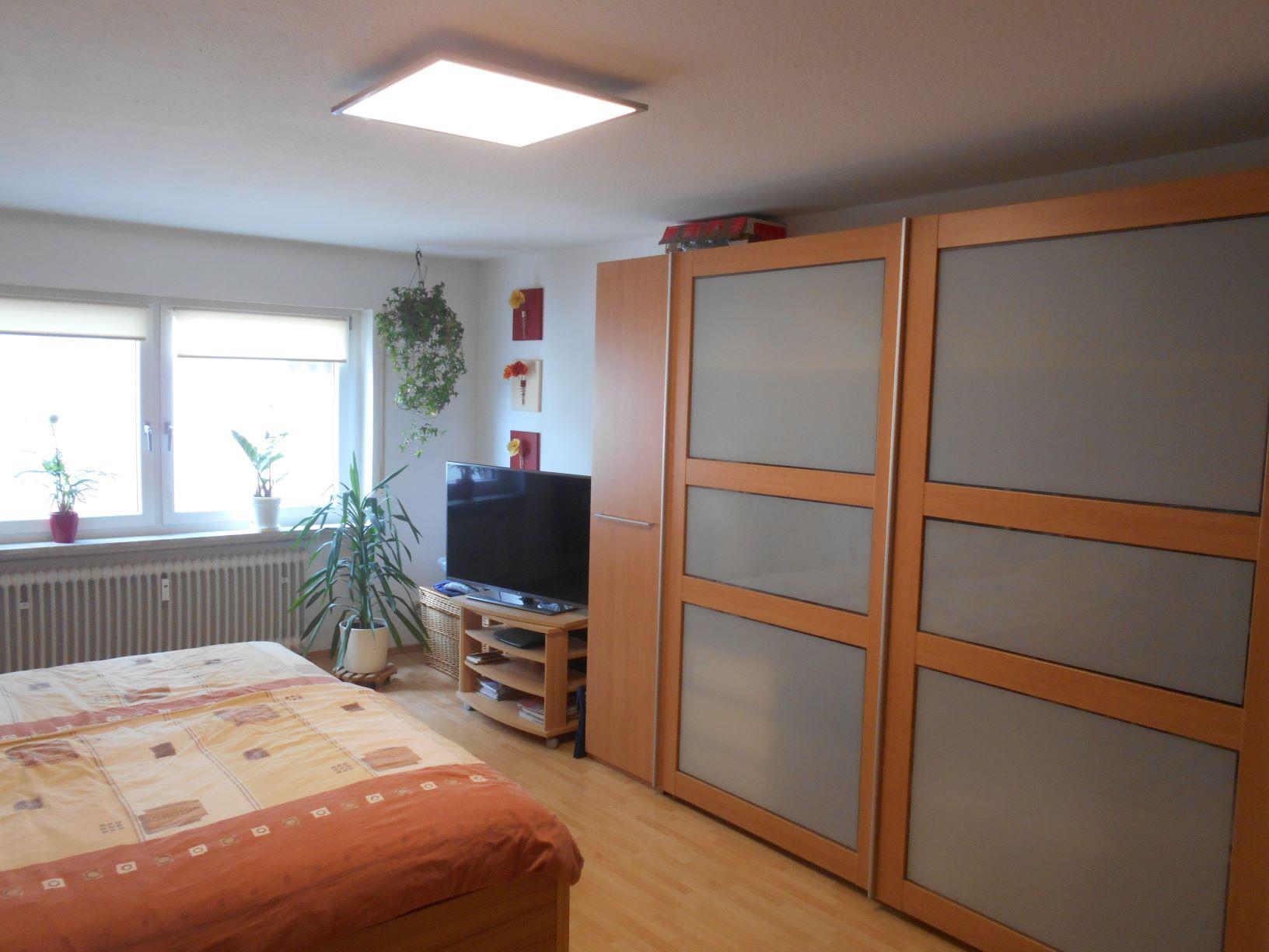 Appenweier schöne helle 3 Zimmer Wohnung mit Süd - Balkon Garage und Stellplatz inklusive