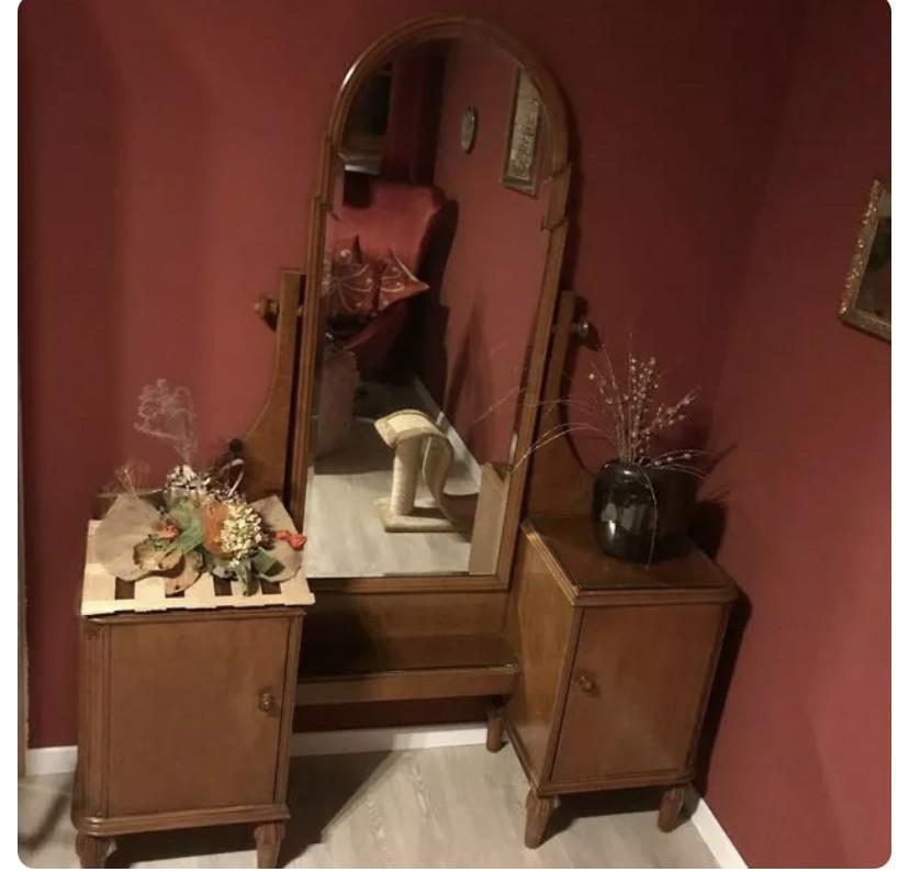 Antike Spiegelkommode massiv, Spiegel schwenkbar, Originalzustand 20er Jahre