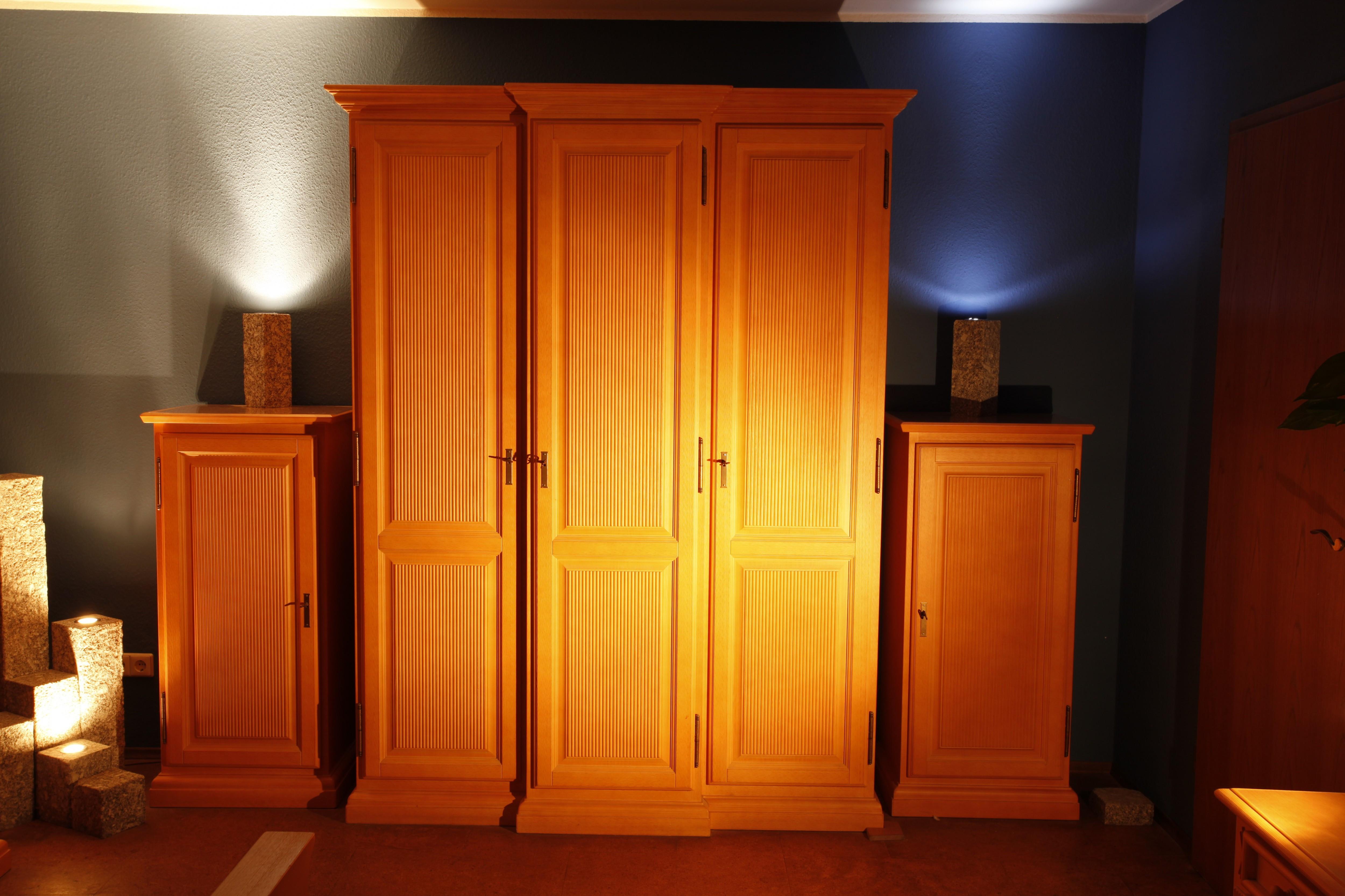schlafzimmer pinie massiv gewachst kleinanzeigen baden online ihr kleinanzeigenmarkt f r. Black Bedroom Furniture Sets. Home Design Ideas