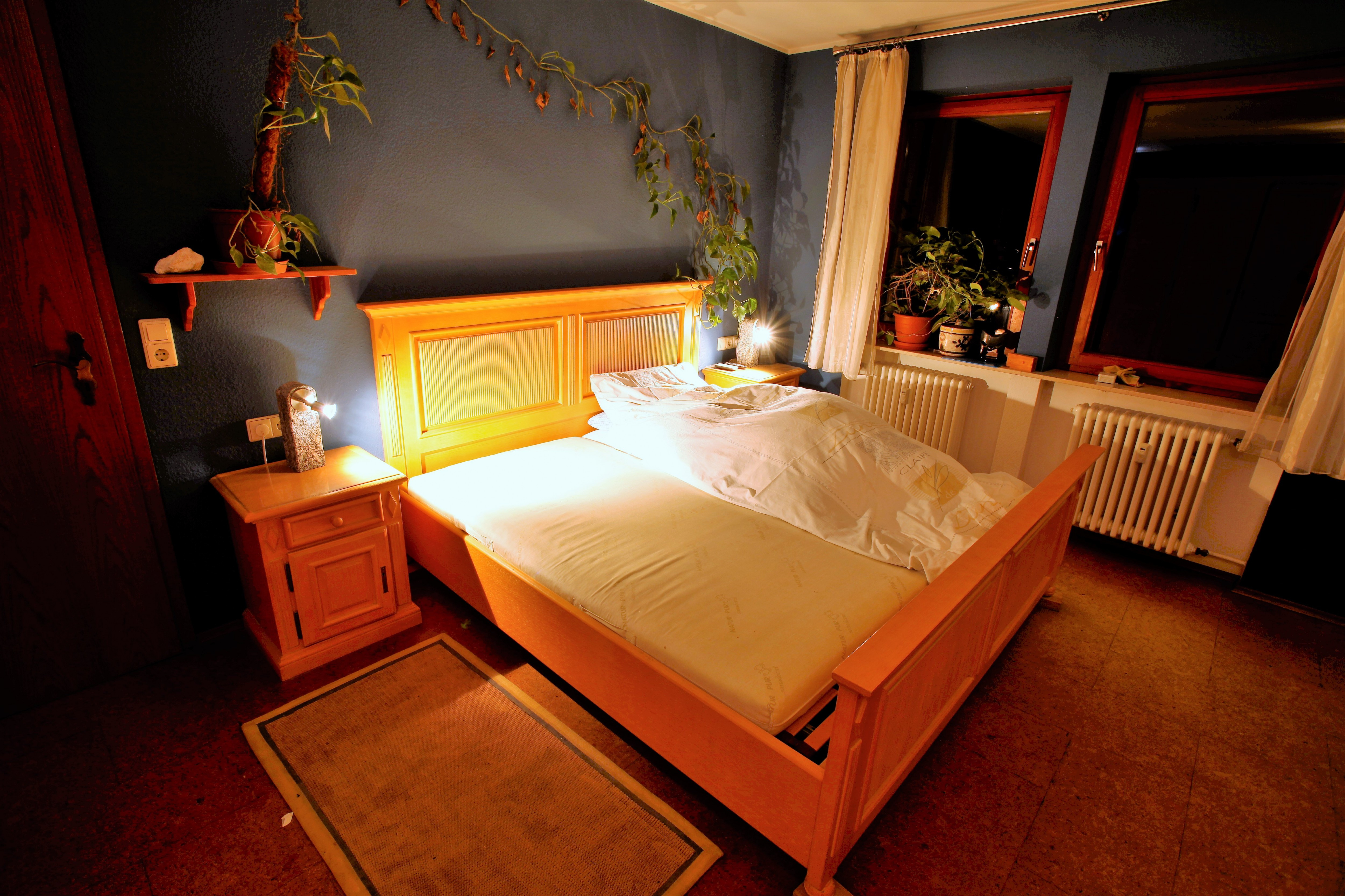 Schlafzimmer Pinie, massiv, gewachst   Kleinanzeigen Baden Online ...