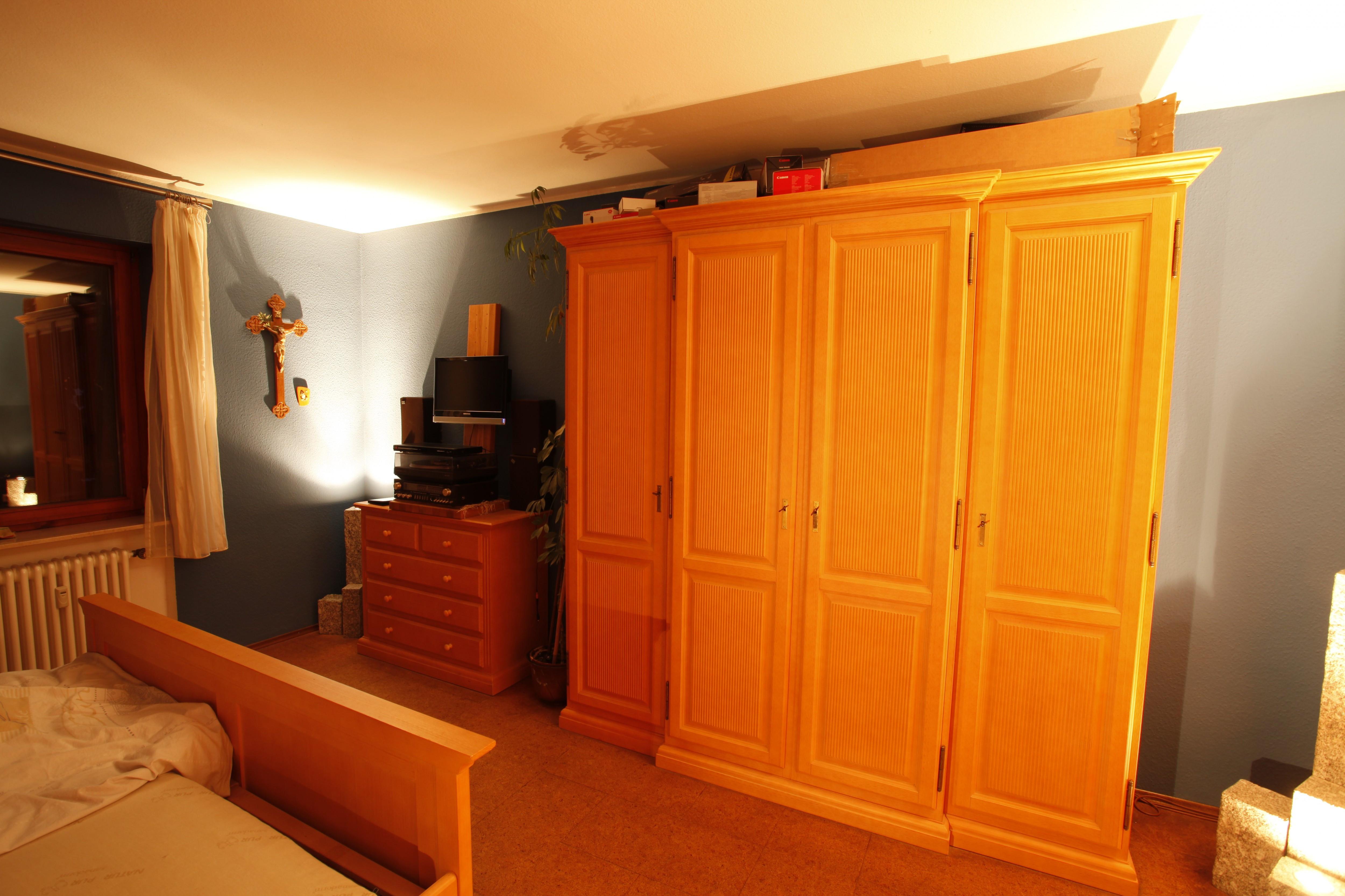 Schlafzimmer Pinie, massiv, gewachst | Kleinanzeigen Baden Online ...