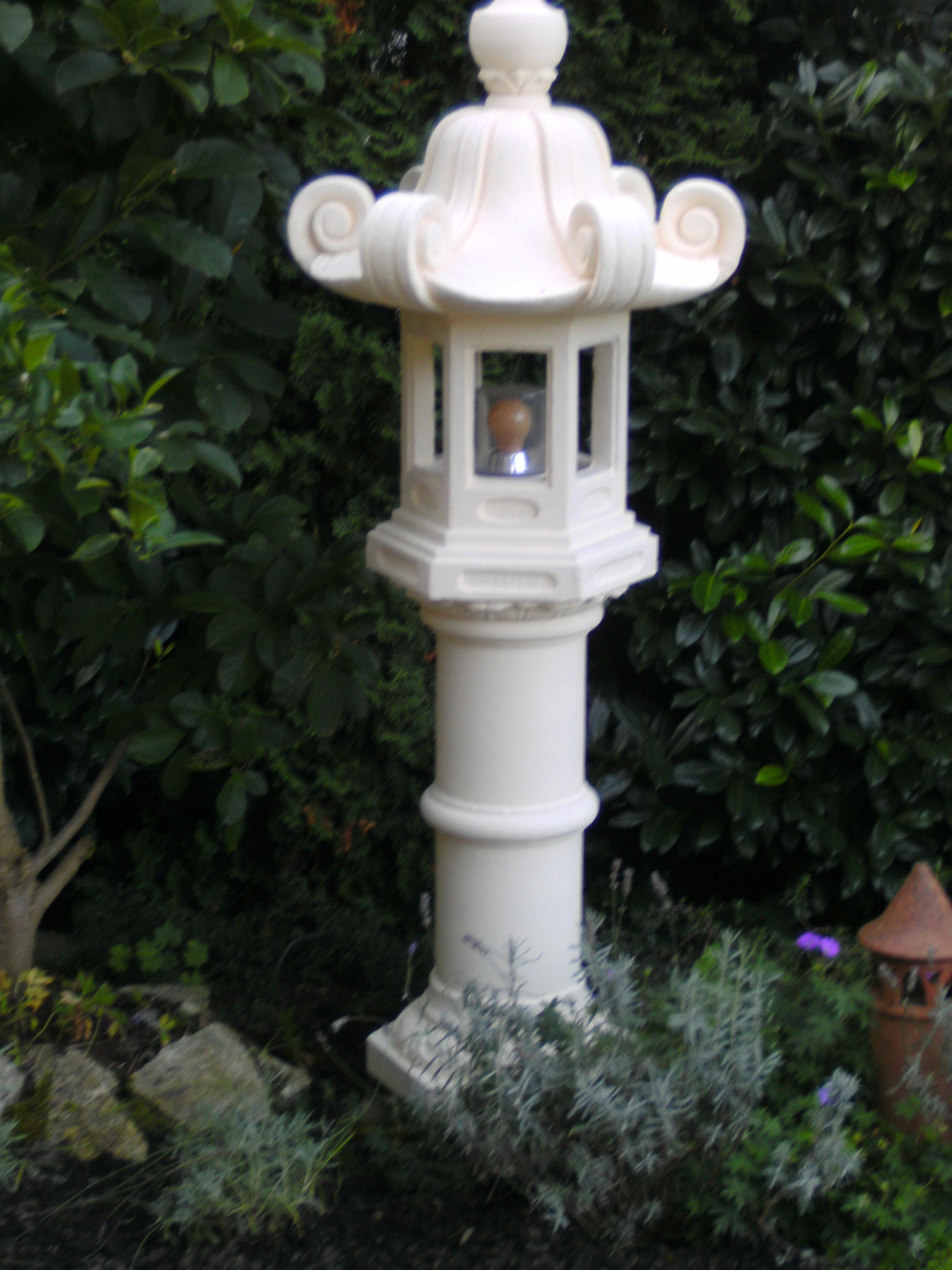 Lampensäule beleuchtet für Garten und Terasse