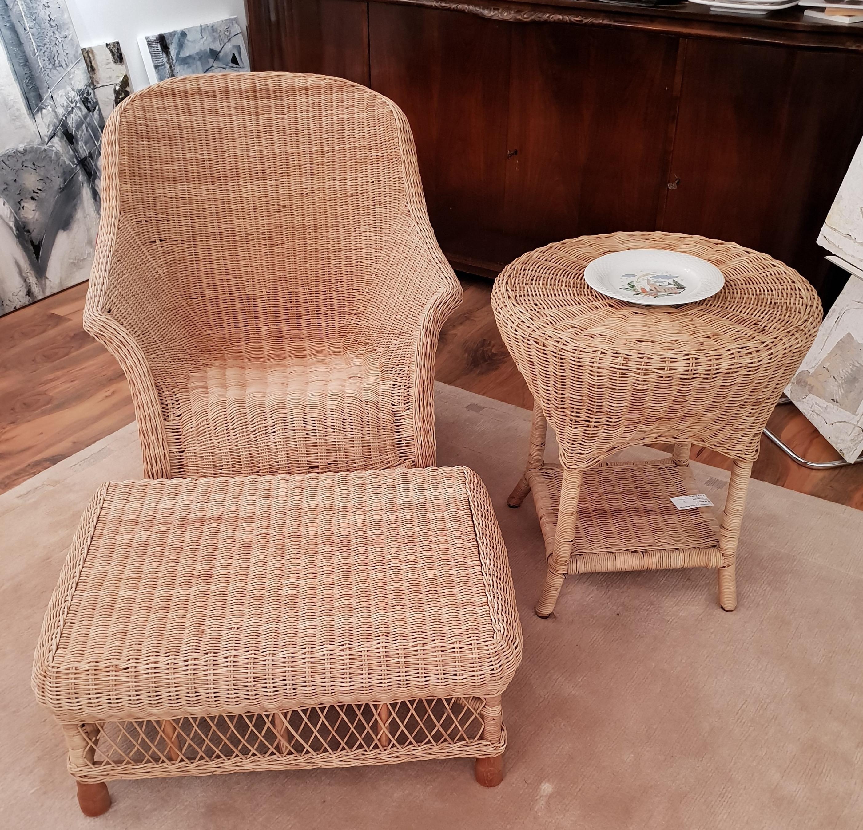 Korbgeflechtensemble natur mit Sessel, Hocker und Tisch, NR_Haushalt, als Deko genutzt