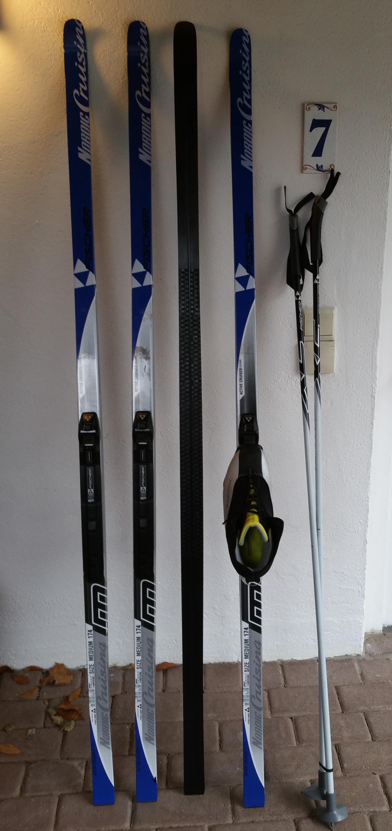 LL-Ski Fischer Nowax, 174 cm, mit Stöcken 140 cm und passenden Schuhen